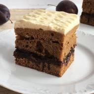 Ciasto miodowe ze śliwkami