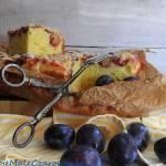Ciasto drożdżowe ze śliwkami i kardamonową kruszonką
