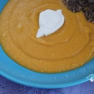 Krem z dyni i soczewicy z mlekiem kokosowym