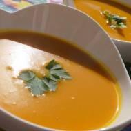 Zupa dyniowa, smażona i gotowana na woku
