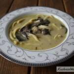 Zupa grzybowa zmakaronem