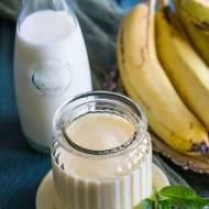 Koktajl mleczny z bananem i mango