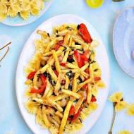 Makaron z fasolką szparagową i papryką