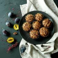 Muffinki owsiane z brzoskwiniami i śliwkami