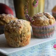 Muffiny na kefirze z jabłkami i orzechami