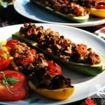 Cukinie faszerowane wołowiną z pomidorami