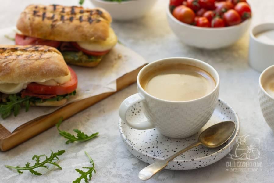 Włoskie śniadanie w stylu