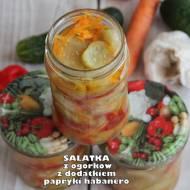 Sałatka z ogórków z dodatkiem papryki habanero (do słoików)