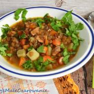 Zupa z zielonej soczewicy z ziemniakami i szynką