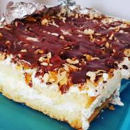 Ciasto z bakaliami i śmietaną