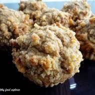 Muffinki bananowe z kruszonką z orzechów włoskich