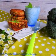 Placki z brokułami i bazyliową śmietaną