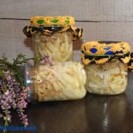 Sałatka z selera i siedzunia sosnowego vel szmaciaka w lekkiej marynacie