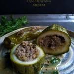Cukinia faszerowana mięsem, z sosem cytrynowym