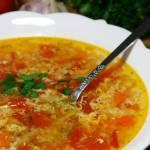 Szybka zupa domowa (jarzynowa zagęszczana jajkiem)
