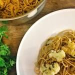 Piątek: Spaghetti z pieczonym kalafiorem w sosie pomidorowym