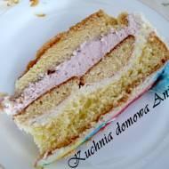 Tort z truskawkowym kremem mascarpone
