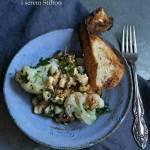 Sałatka z kalafiora z orzechami i serem Stilton