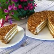 Ciasto dyniowe z miodem, orzechami i kremem mascarpone