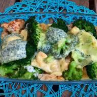 Fit zapiekanka z kurczakiem i brokułami