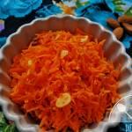 Migdałowa surówka z marchewki