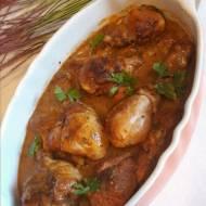 Podudzia z kurczaka w sosie wlasnym