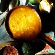 Zupa z dyni piżmowej z soczewicą, suszonymi pomidorami i quinoą