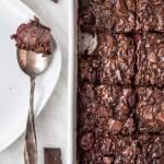 Pieczona owsianka czekoladowa z wiśniami (7 składników)