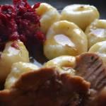 Kluski śląskie ze sztuką mięsa