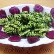 Pesto z zielonej pietruszki z prażonymi pestkami dynii