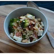 Salatka z kuk kusu perlowego z brokulem