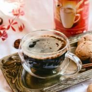 Kawa z imbirowymi ciasteczkami