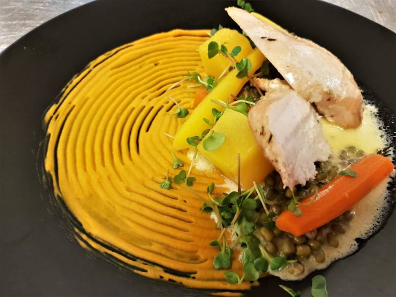 Gotowana pierś z kurczaka sous-vide – zestaw obiadowy