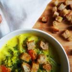 Zupa brokułowa ze śmietanką - wegańska