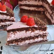 Tort czekoladowy z kremem malinowym