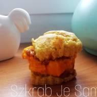 Bezglutenowe muffinki z mąki z amarantusa nadziewane dynią i masłem orzechowym - bez cukru, fit