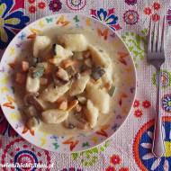 Kluski serowe z sosem dyniowo-cukiniowo-pieczarkowym
