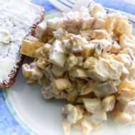 Sałatka z szynką i żółtym serem