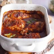 Udka kurczaka w sosie z powidłami i cebulą / Chicken legs baked with onion and plum jam sauce