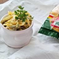Zielona sałatka makaronowa