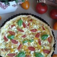 Tarta z kurczakiem,pomidorkami,papryką i fetą