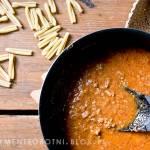 sos boloński na światowy dzień makaronu
