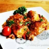 Podudzia kurczaka w sosie paprykowo-pomidorowym