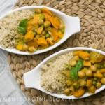 curry kokosowe ze słodkimi ziemniakami i cieciorką