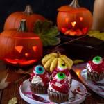 Halloweenowe babeczki z gałkami ocznymi