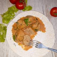 Pulpety w delikatnym paprykowo-pomidorowym sosie (na bazie śmietany)