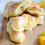 Paluchy drożdżowe z serem i pomarańczą