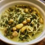 ash reshteh (perska zupa z soczewicą, fasolą i cieciorką)