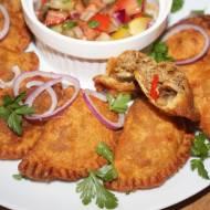 Empanadas , chrupiące pierożki