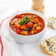 Zupa bolońska z mięsem mielonym. Pożywna i rozgrzewająca [PRZEPIS]